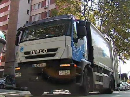 La lucha de Ana por conducir el camión de la basura de Hospitalet