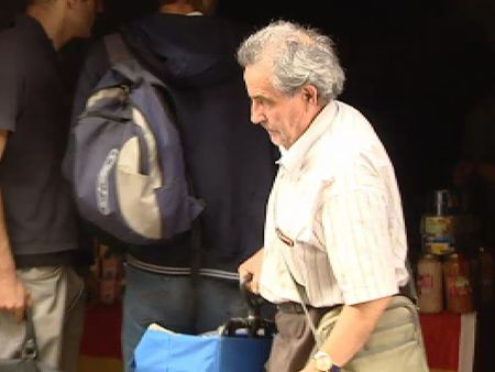 Orden de desahucio para el centro social que solo reparte comida a españoles