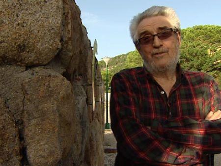 El sociólogo Amando de Miguel, en la ruina