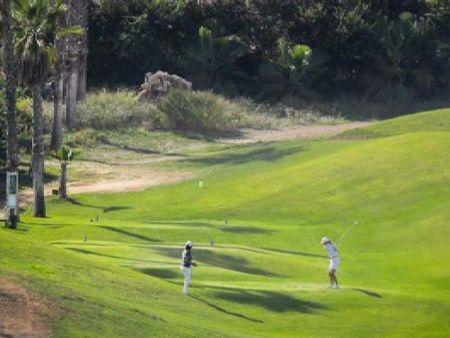 Qué hay detrás de la foto del Campo de Golf de Melilla